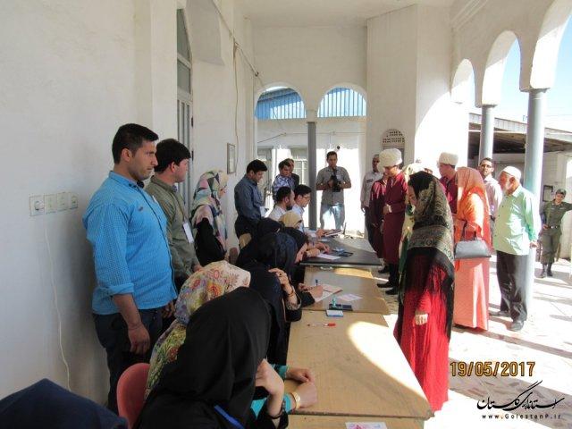 اخذ رای از ساعت 8 صبح در شهرستان گمیشان شروع شد